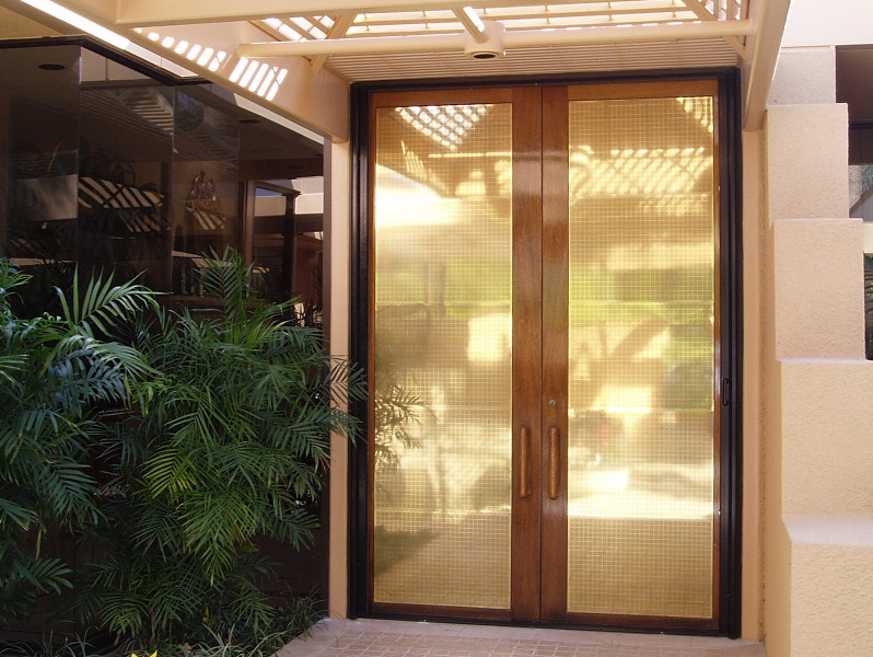 Retractable Double Entry Door Screen