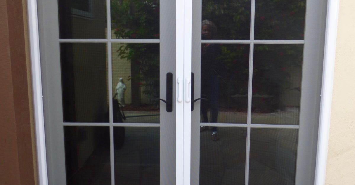Double Retractable Door Screen